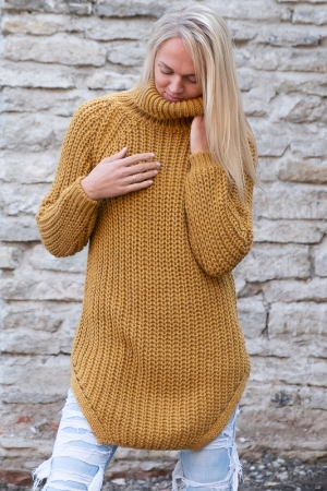 COZY TURTLENECK SWEATER, MUSTARD