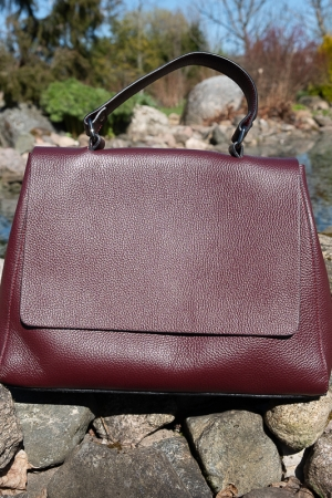 ADDICTED GENUINE LEATHER HANDBAG